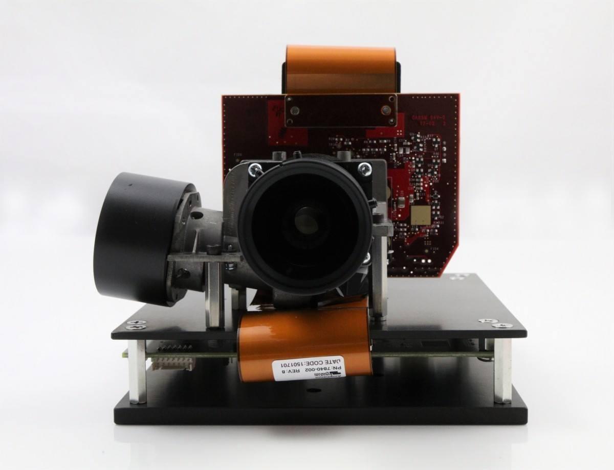 DLi6500-Fiber .65 1080p Type-S RAY Optics Bundle (Front)